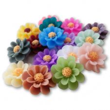 18mm Vintage Matte Daisy Resin Flatback Cabochons